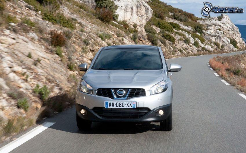 Nissan Qashqai, road, rocky hill