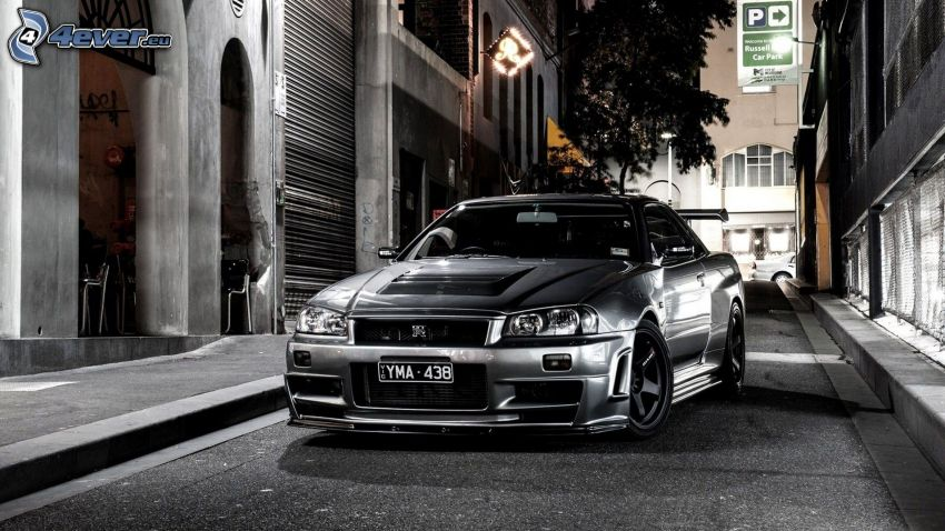 Nissan Skyline GT-R, street