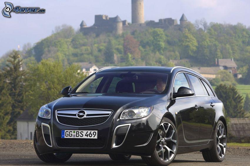 Opel Insignia OPC, castle