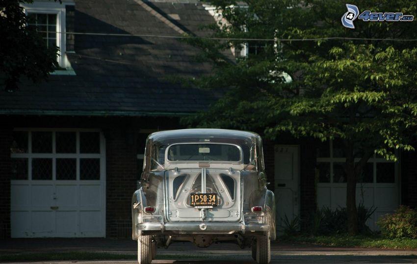 Pontiac Deluxe, oldtimer, house, tree