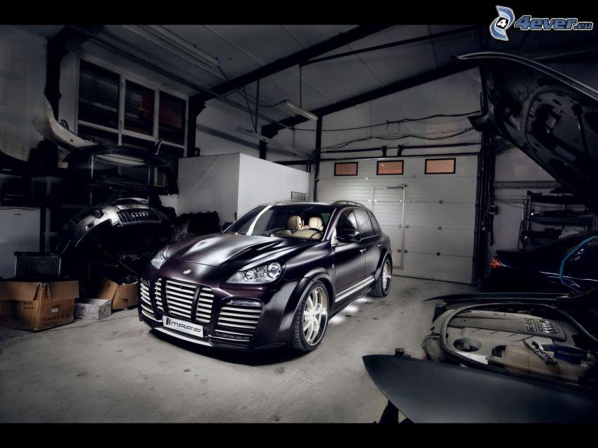 Porsche Cayenne, SUV, garage