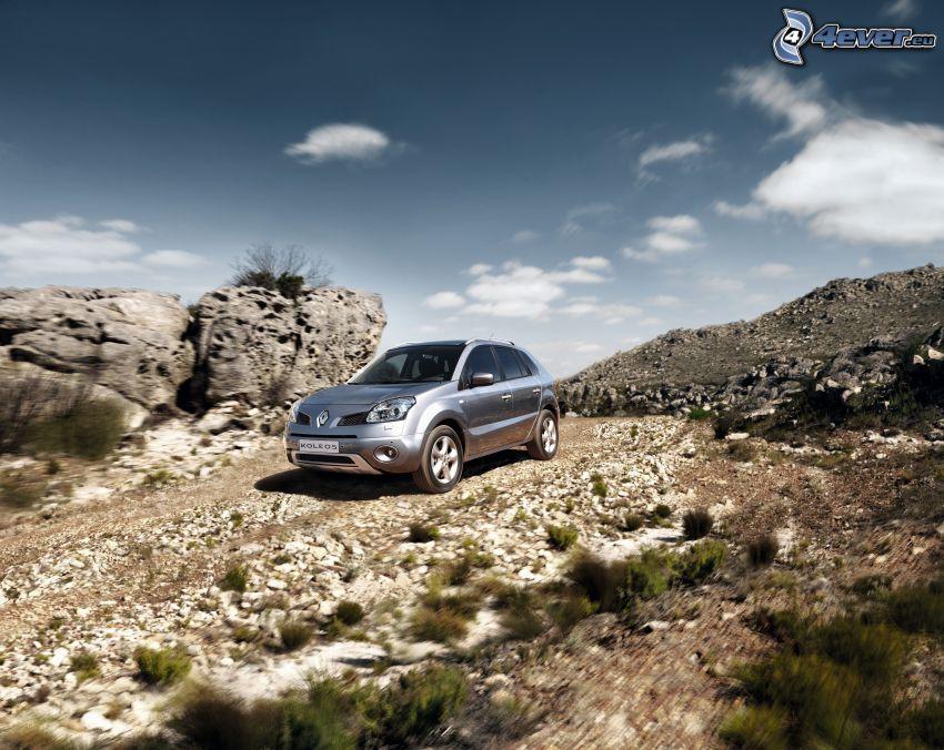 Renault Koleos, rocks