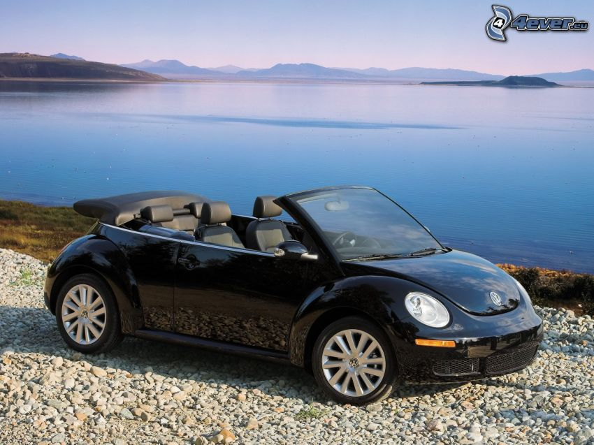 Volkswagen New Beetle Cabrio, the view of the sea