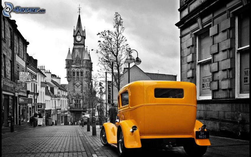 yellow car, oldtimer, street, church, black and white