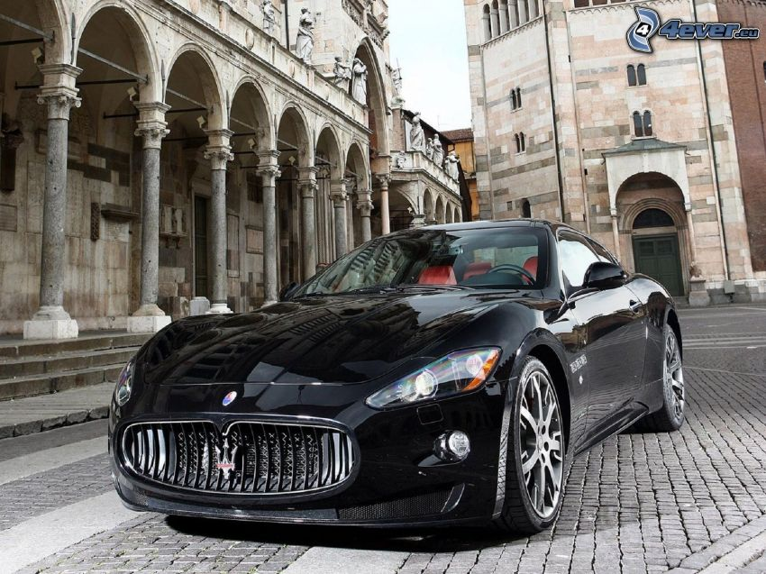 Maserati GranTurismo, pavement, building