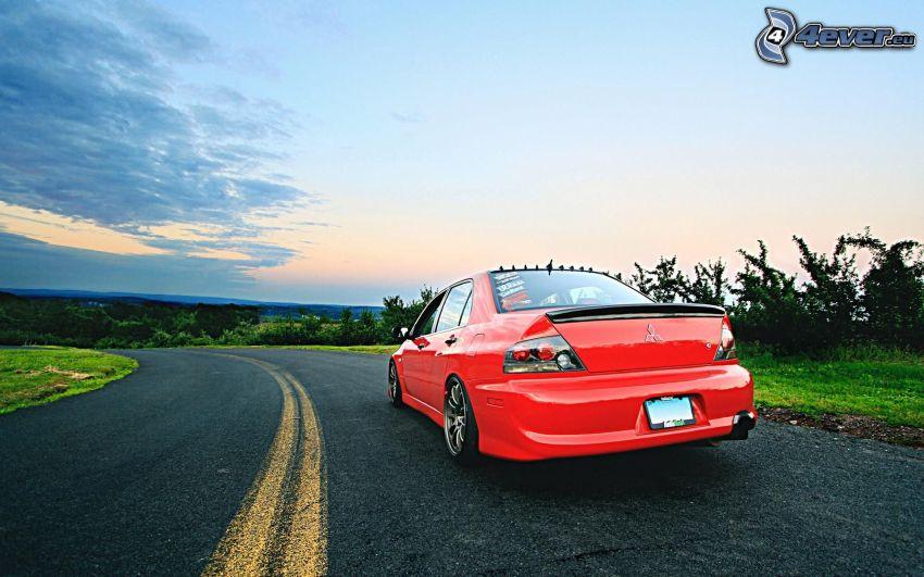 Mitsubishi, road