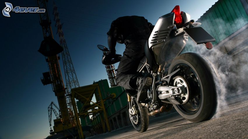 Aprilia SMV 750 Dorsoduro, burnout, moto-biker, factory, smoke