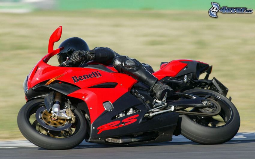 Benelli RS