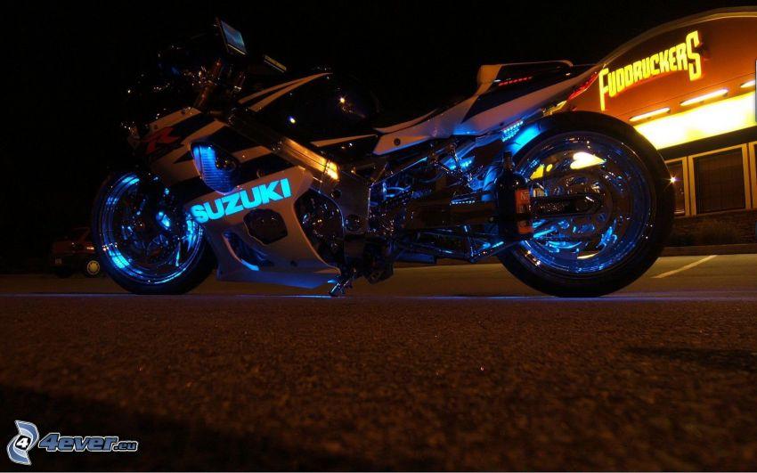 Suzuki, neon