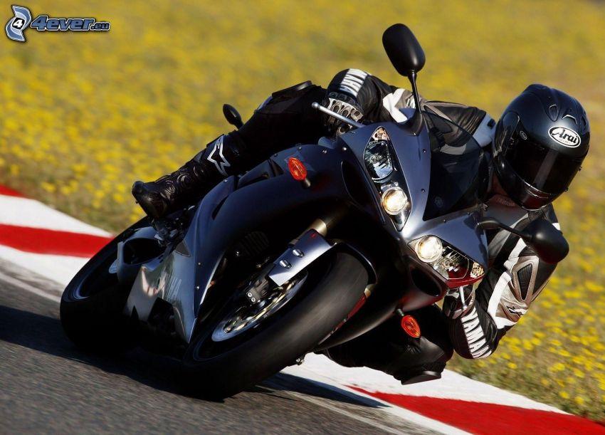 Yamaha R1, moto-biker, racing circuit