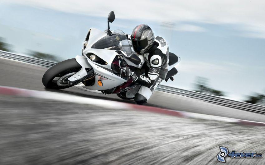 Yamaha R1, race, speed