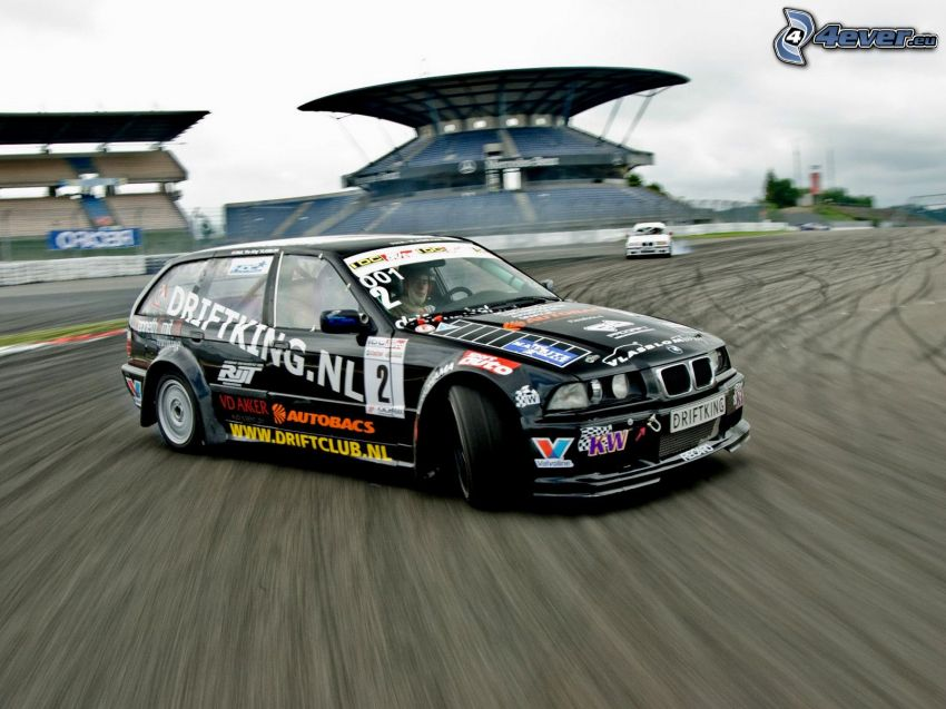 BMW, drifting
