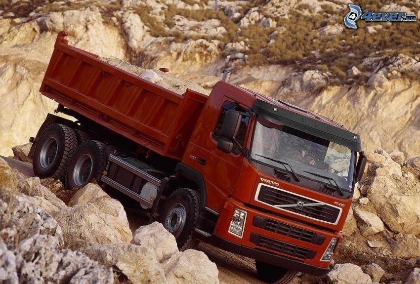 Volvo FM12, rocks