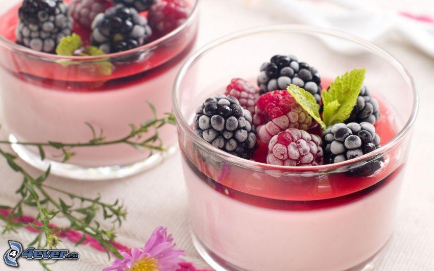 breakfast, yogurts, blackberries, raspberries