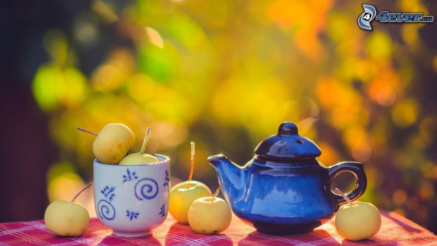teapot, cup, apples