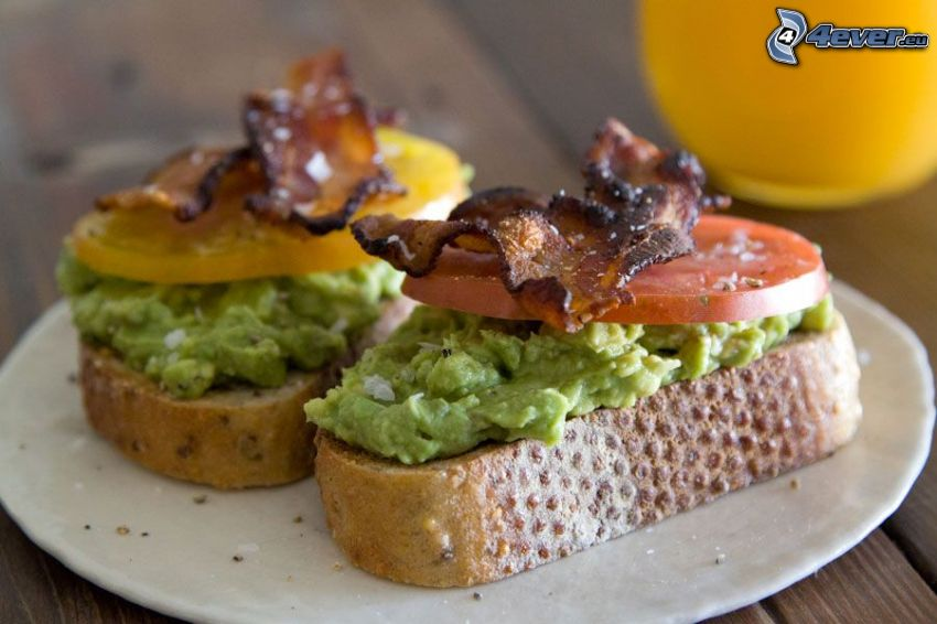 toasts, spread, tomato, bacon
