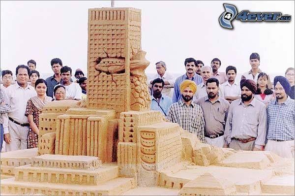 WTC, sand sculptures, accident, USA