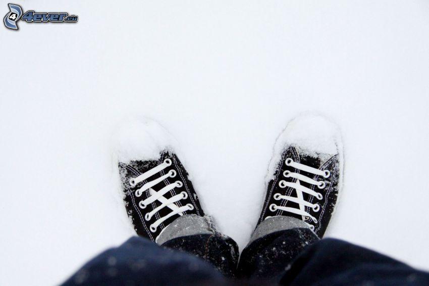 Converse, snow