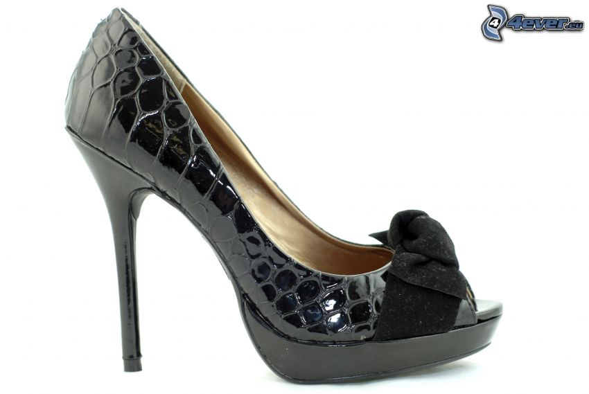pumps with bow
