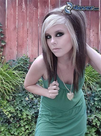 emo girl, necklace