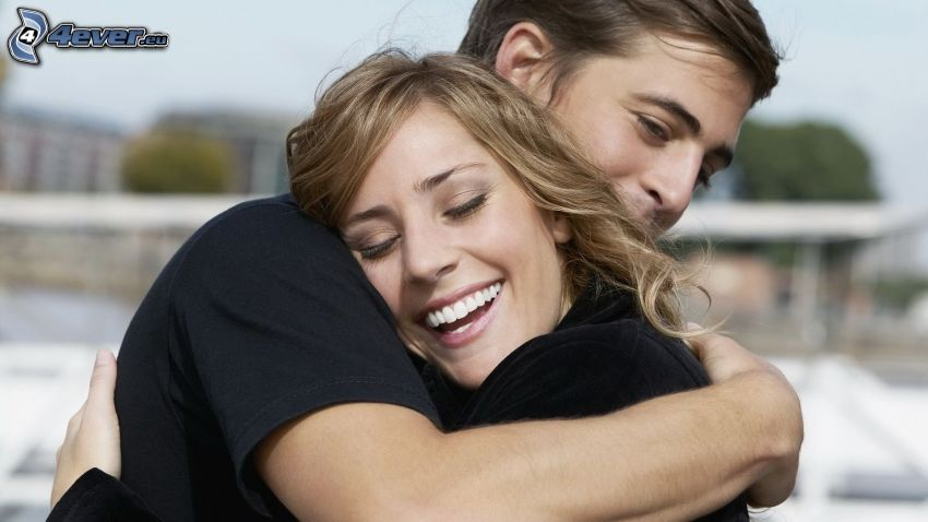 couple in embrace, happy couple, smile