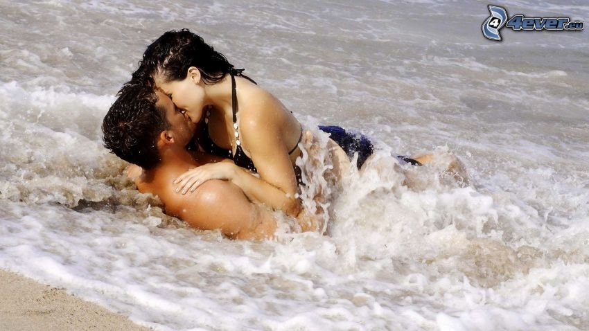 couple in the sea, kiss