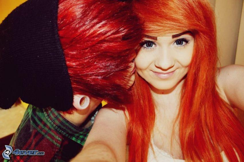 emo couple, kiss
