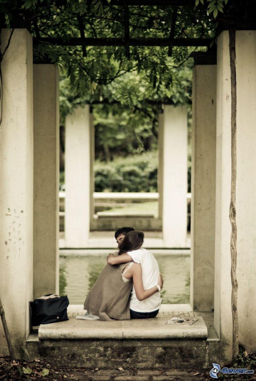 hug, walls