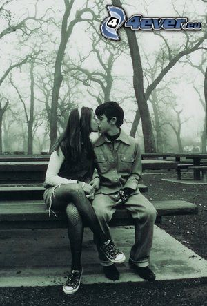kiss on the bench, kiss, park