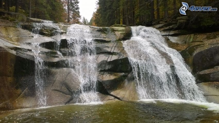 Mumlava waterfall, rocks