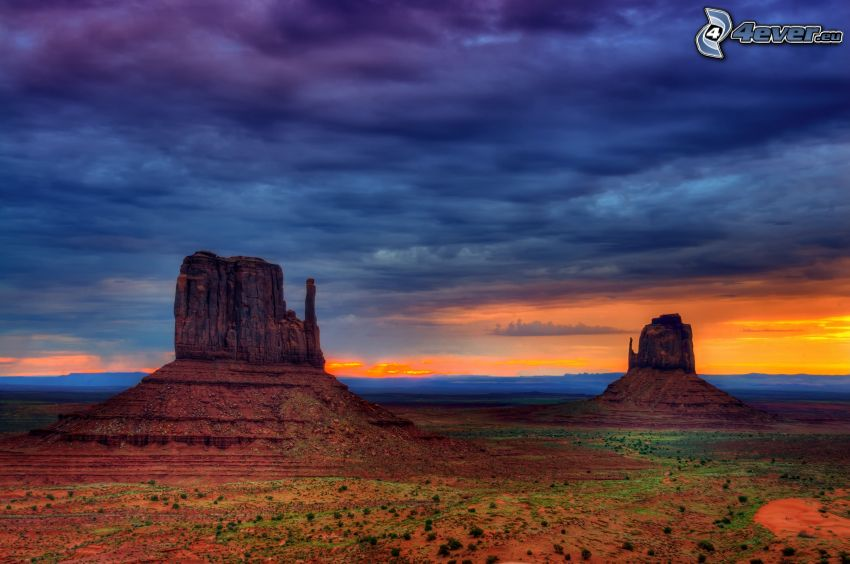 Monument Valley, evening sky