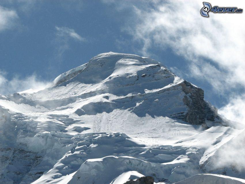 Cho Oyu, snowy hill
