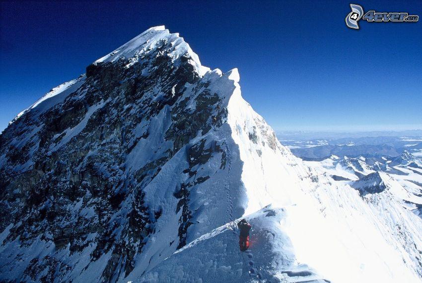 Mount Everest, snowy hill