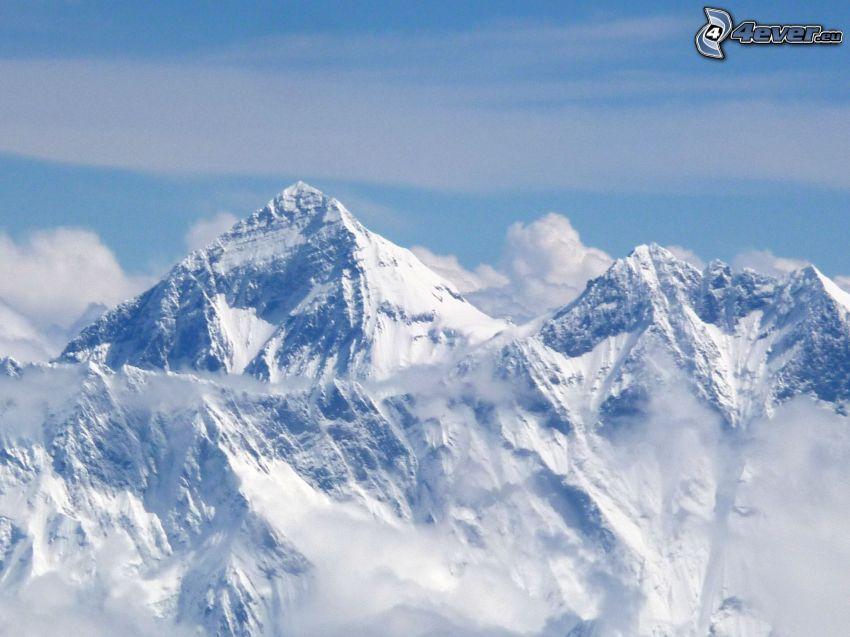 Mount Everest, snowy mountains