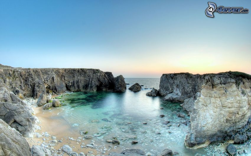 rocky bay