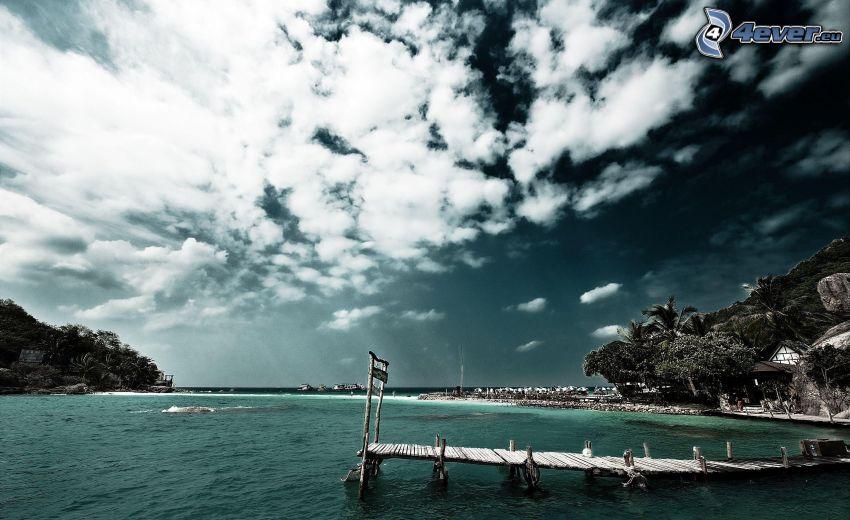 wooden pier, bay