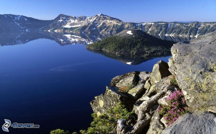 Wizard island, Crater Lake, lake, rocky mountains