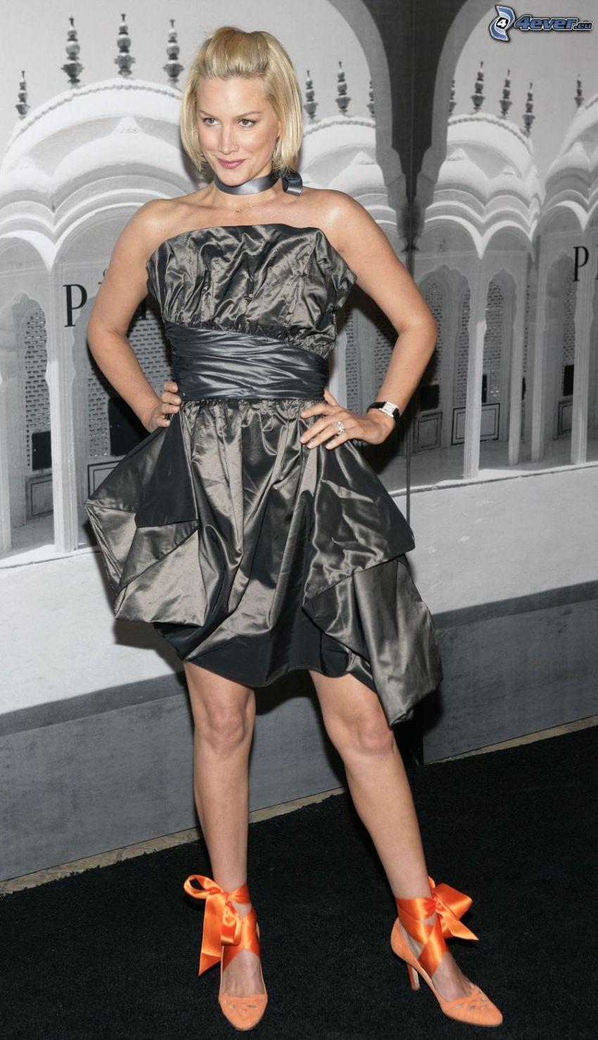 Alice Evans, gray dress