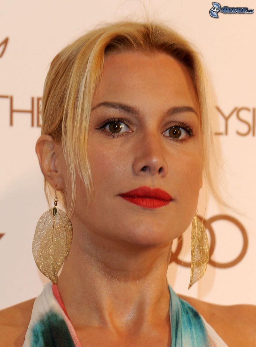 Alice Evans, red lips, earrings