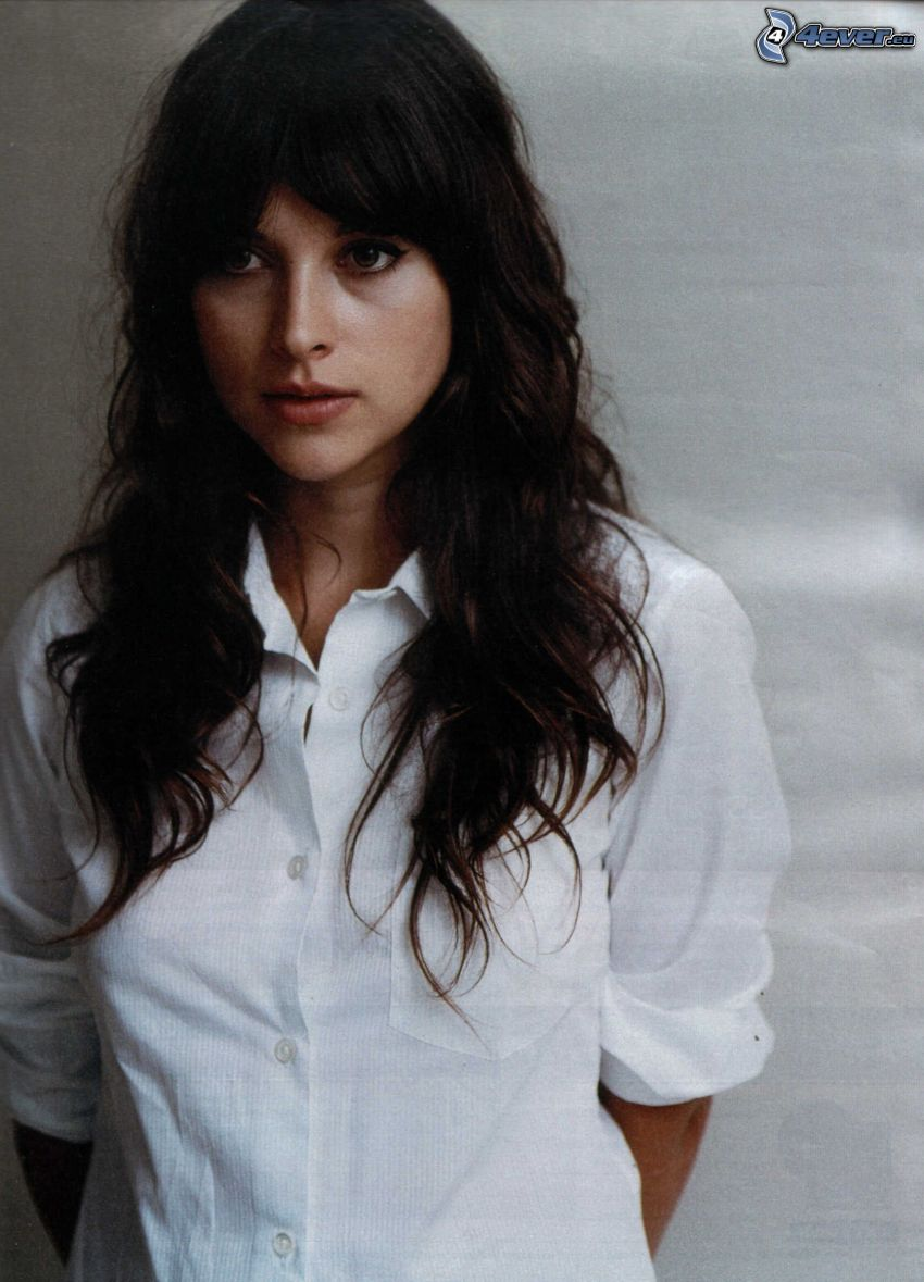 Amelia Warner, white shirt