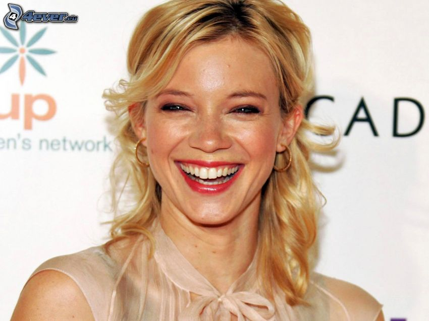 Amy Smart, laughter
