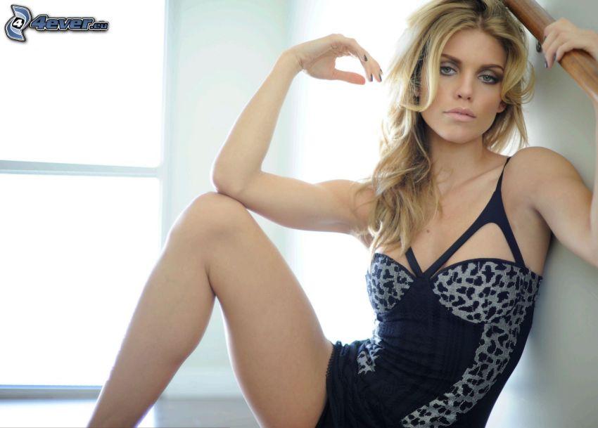 AnnaLynne McCord, blue underwear