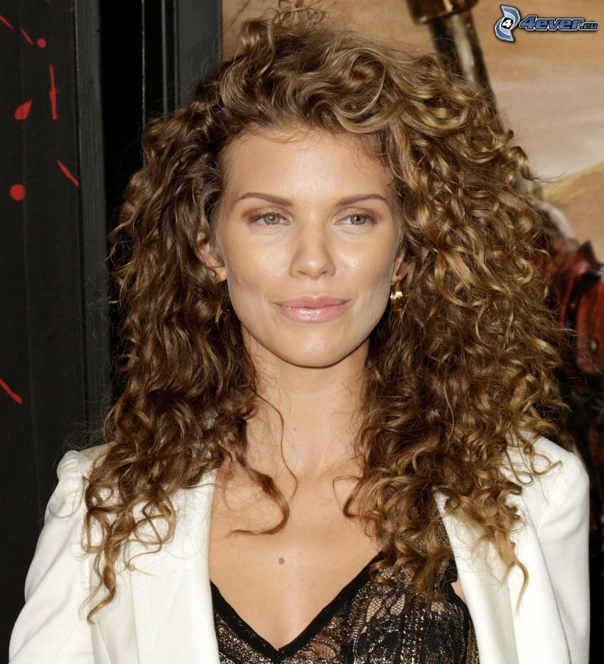 AnnaLynne McCord, curly hair