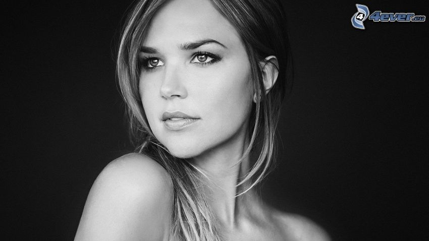 Arielle Kebbel, black and white photo