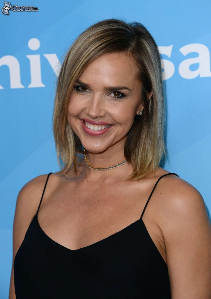 Arielle Kebbel, laughter