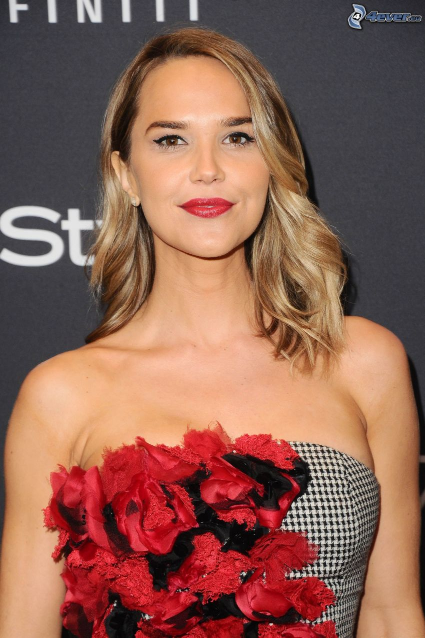 Arielle Kebbel, red lips