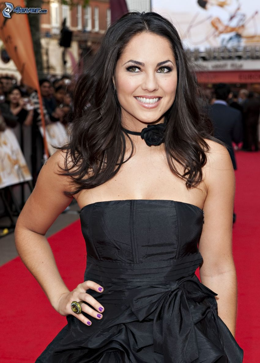 Barbara Mori, smile, black dress, look