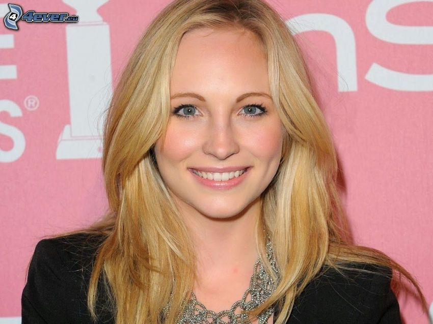 Candice Accola, smile