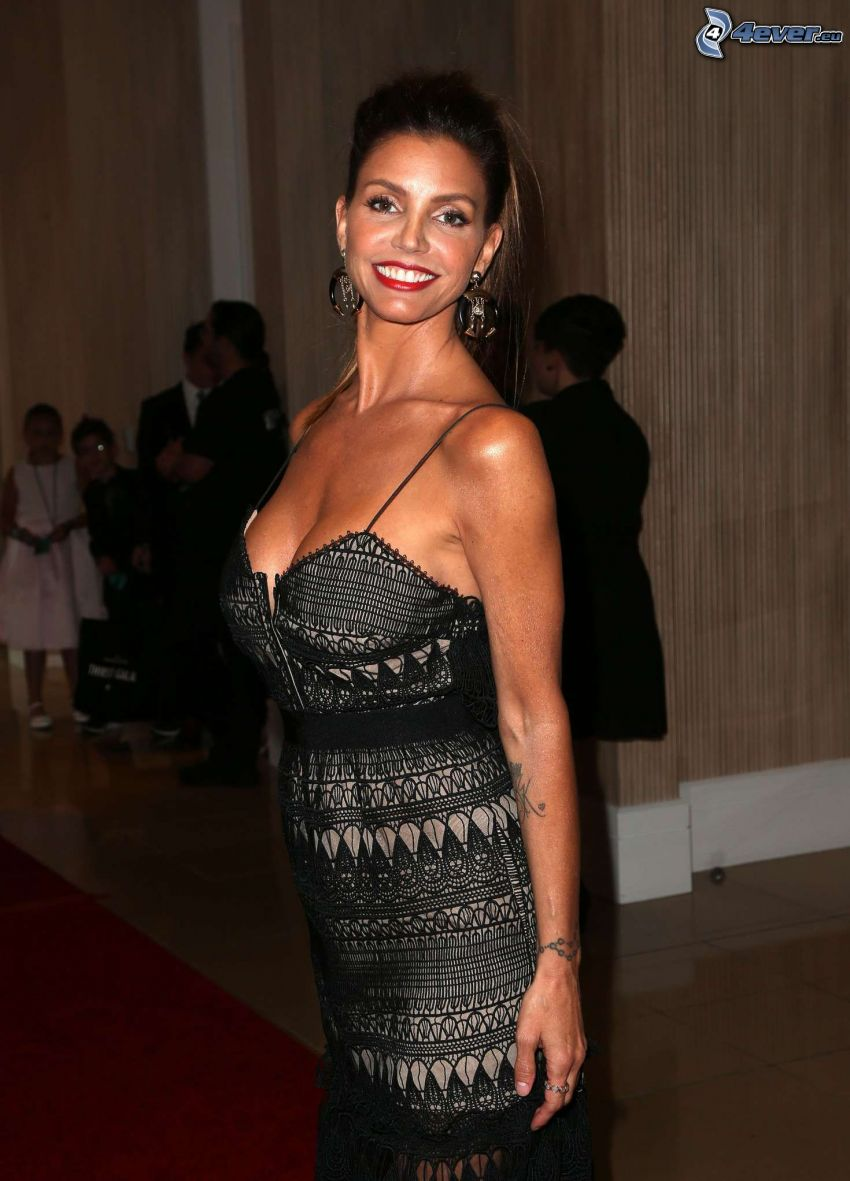 Charisma Carpenter, smile, black dress
