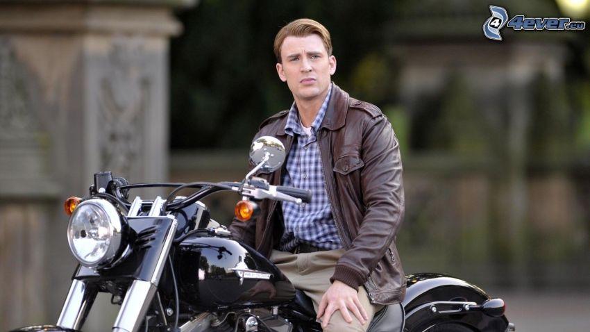 Chris Evans, chopper, motocycle